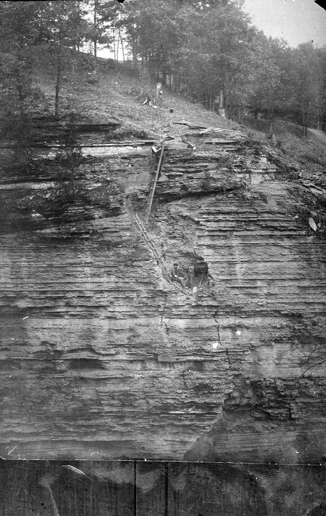 Construction 30ft dam 1903